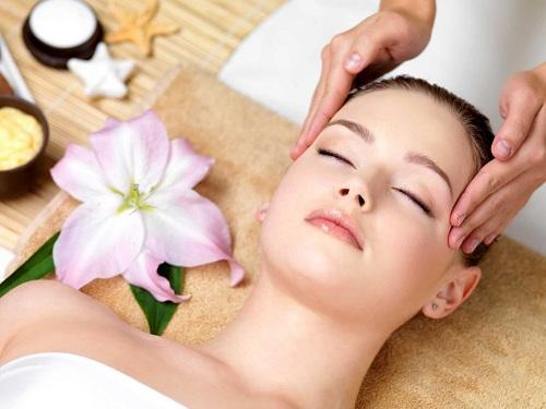 Bí quyết làm căng da mặt tự nhiên nhờ massage mỗi ngày