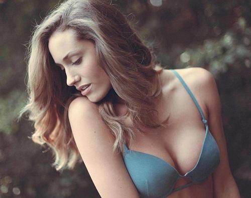 Nâng ngực nội soi túi độn hình giọt rất an toàn