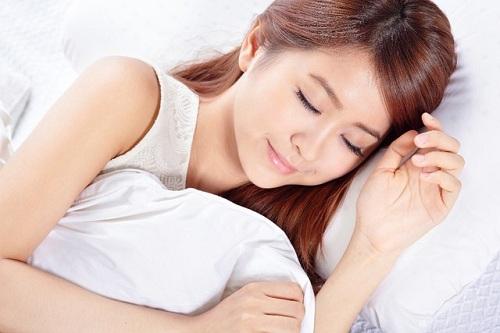 Mắt đẹp tự nhiên nhờ ngủ đủ giấc