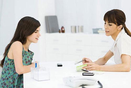 Tham khảo ý kiến của Bác sĩ hoặc Dược sĩ khi sử dụng men tiêu hóa