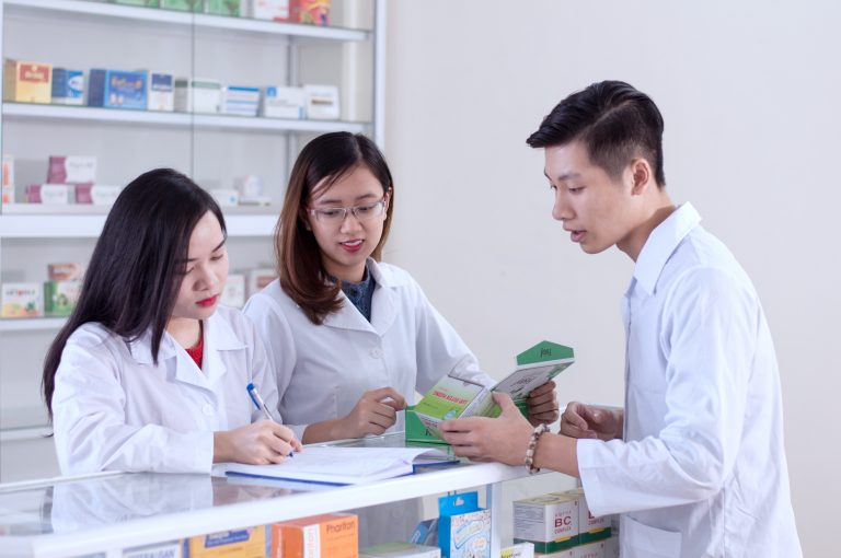 Tốt nghiệp ngành Dược để xóa bỏ nạn thất nghiệp