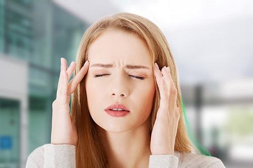 Đau đầu do căng thẳng thần kinh