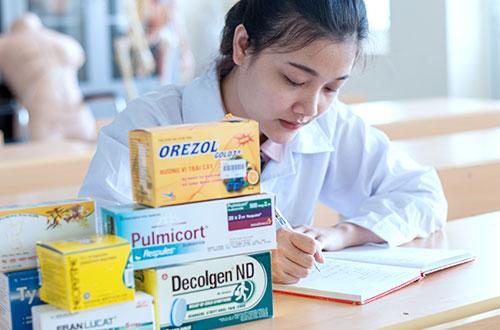 Sinh viên ngành Dược và những lợi thế khi ra trường