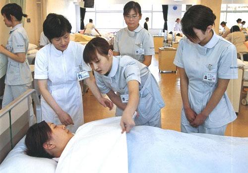 Học Cao đẳng Điều dưỡng mở rộng cơ hội việc làm trong tương lai