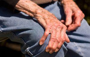 Chứng run tay run chân ở người cao tuổi là chứng phổ biến