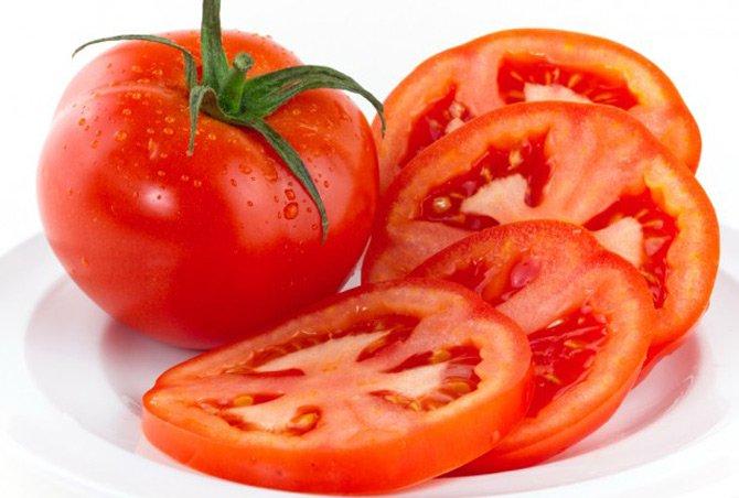 Chữa viêm loét miệng bằng ăn cà chua sống
