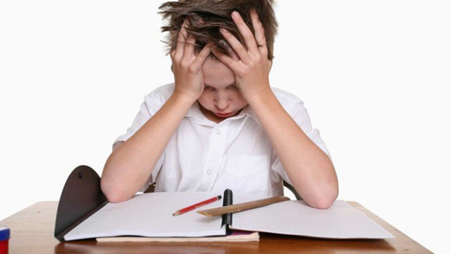 Áp lực học tập khiến trẻ bị trầm cảm
