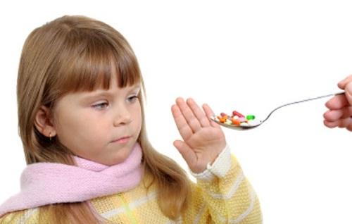 Lựa chọn và sử dụng đúng cách thuốc kháng sinh cho trẻ như thế nào?