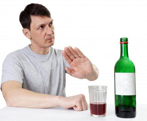 Bệnh loãng xương cần ăn uống kiêng cử như thế nào?