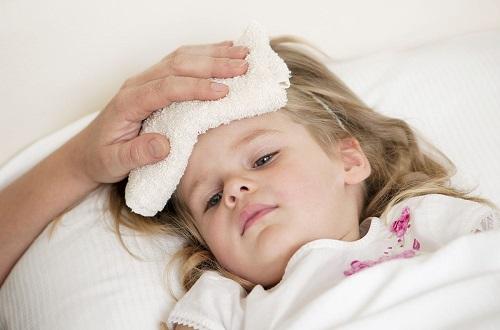 Lưu ý sử dụng thuốc hạ sốt hợp lý cho trẻ