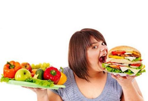 Chế độ ăn không hợp lý cũng là một nguyên nhân lớn gây nên bệnh mỡ máu