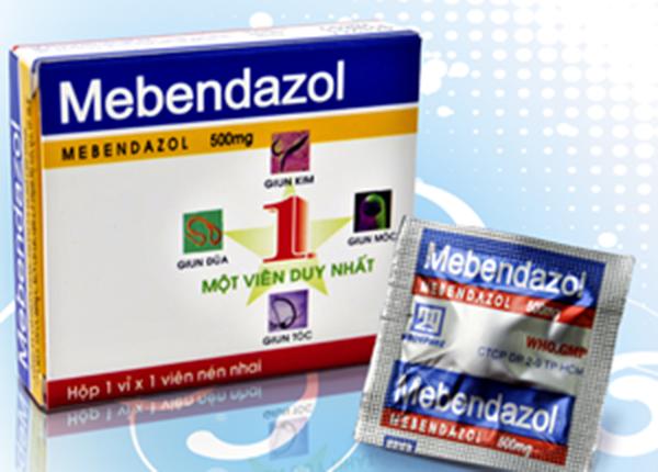 Dược sĩ tư vấn sử dụng thuốc Mebendazol chữa giun sán