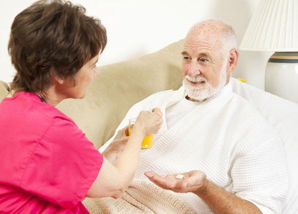 Người cao tuổi nên sử dụng thuốc đúng cách