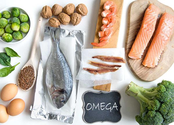 Chất béo thiết yếu, chủ yếu là omega- 3 và omega- 6 để cấu tạo nên tế bào thần kinh