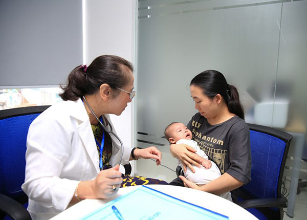 Vắc-xin Pentaxim hay còn gọi là vắc xin 5 trong 1 được sản xuất tại Pháp và Canada
