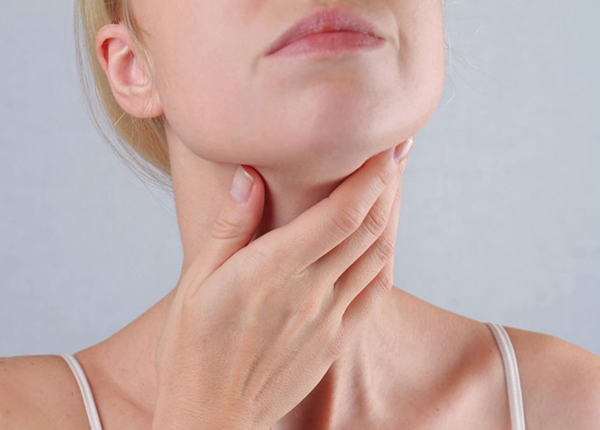 Nên dùng thuốc gì điều trị viêm họng do vi khuẩn gây ra